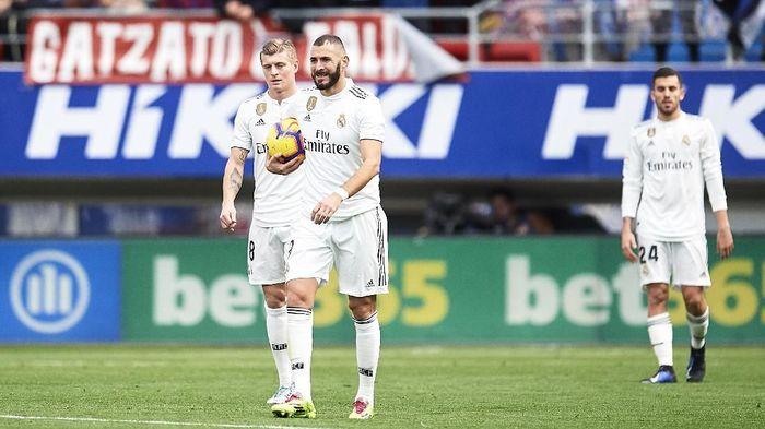 Catatan Real Madrid di Liga Spanyol dalam satu tahun terakhir tidak memuaskan (Foto: Juan Manuel Serrano Arce/Getty Images)
