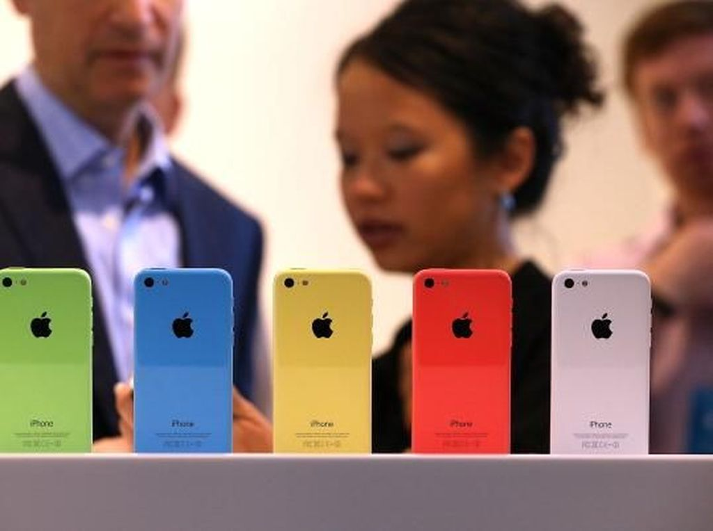 Program Ganti Baterai Ternyata Bikin Penjualan iPhone Merosot