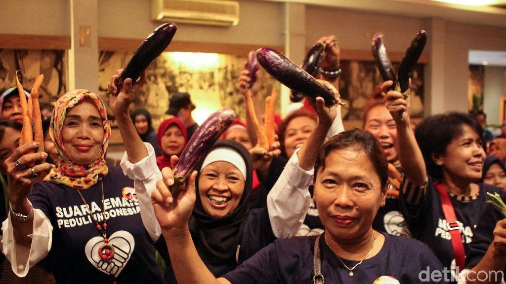 Potret Emak-emak Bawa Sayur Deklarasi Dukung Jokowi