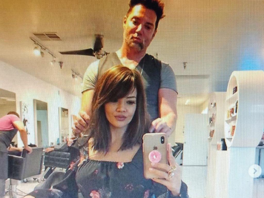 Potong Rambut di Amerika Serikat, Farah Quinn Bikin Pangling