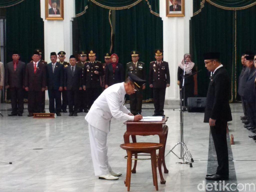 Ridwan Kamil Lantik Karna Sobahi Jadi Bupati Majalengka