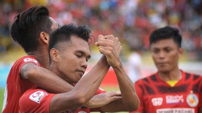 Semen Padang disebut Vigit Waluyo sudah dibantu wasit di Liga 2. (Foto: dok. Semen Padang Football Club)