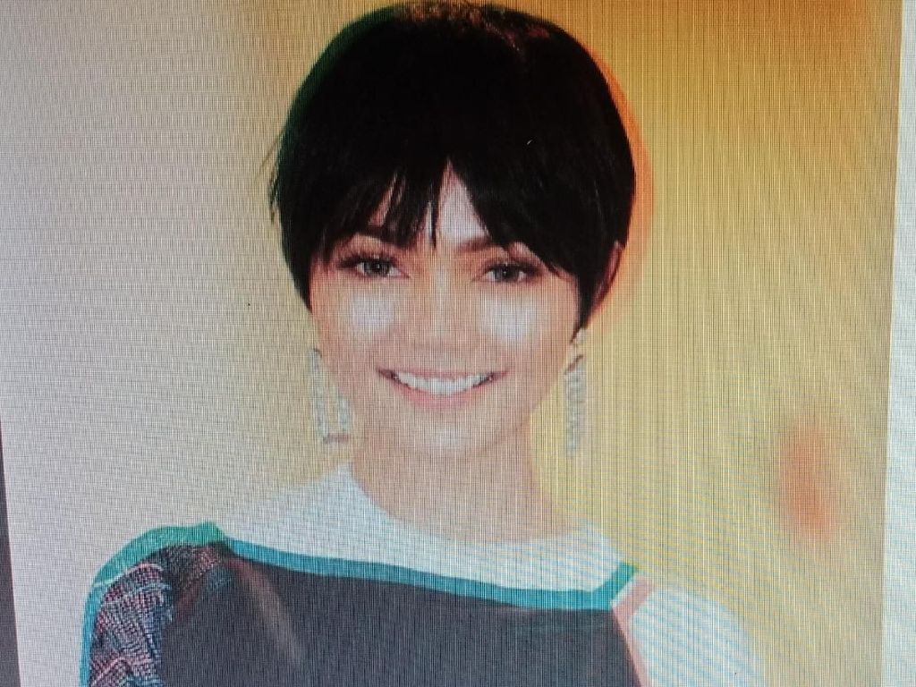 Posting Wig Rambut, Rina Nose Kena Nyinyir Netizen soal Hijab
