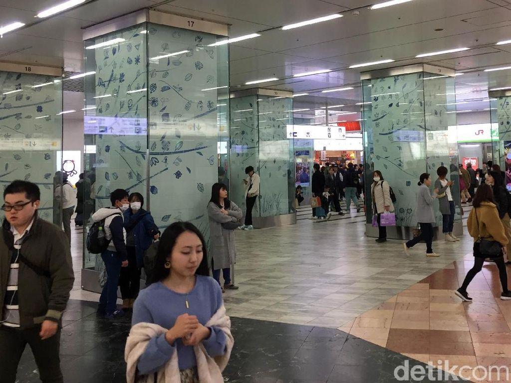 Stasiun Kereta Terbesar di Jepang Ini Bikin Betah Nongkrong Berjam-jam
