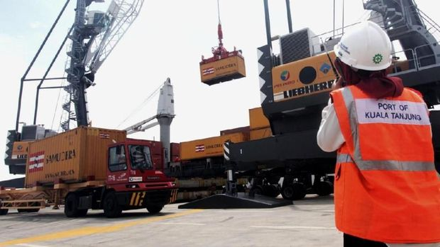 Pelabuhan Kuala Tanjung Siap Diresmikan Jokowi