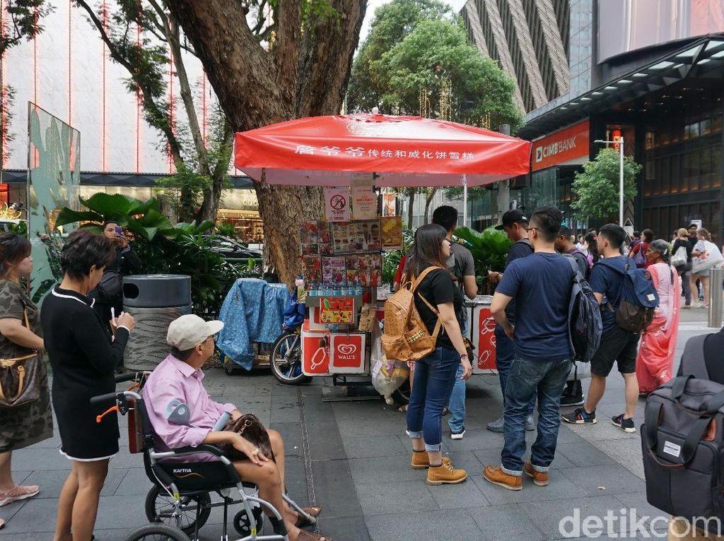 Singapura Pakai Aturan Ganjil Genap Nomor KTP Buat Masuk Mall