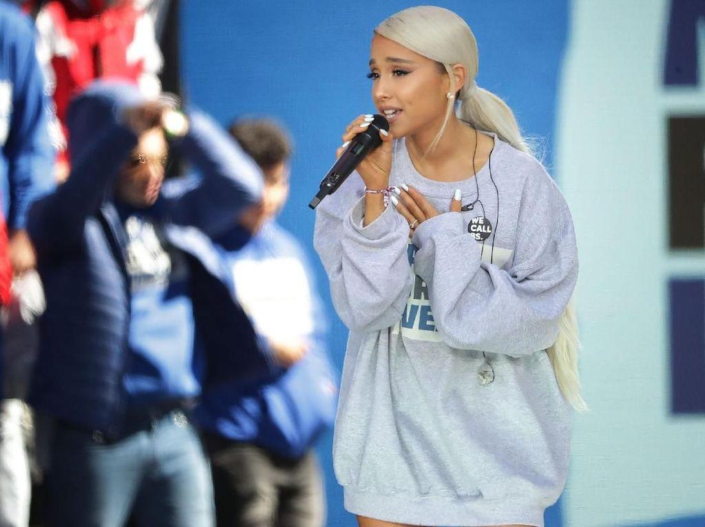 Cek-cok dengan Produser, Ariana Grande Diganjar Piala Best Pop Vocal Album