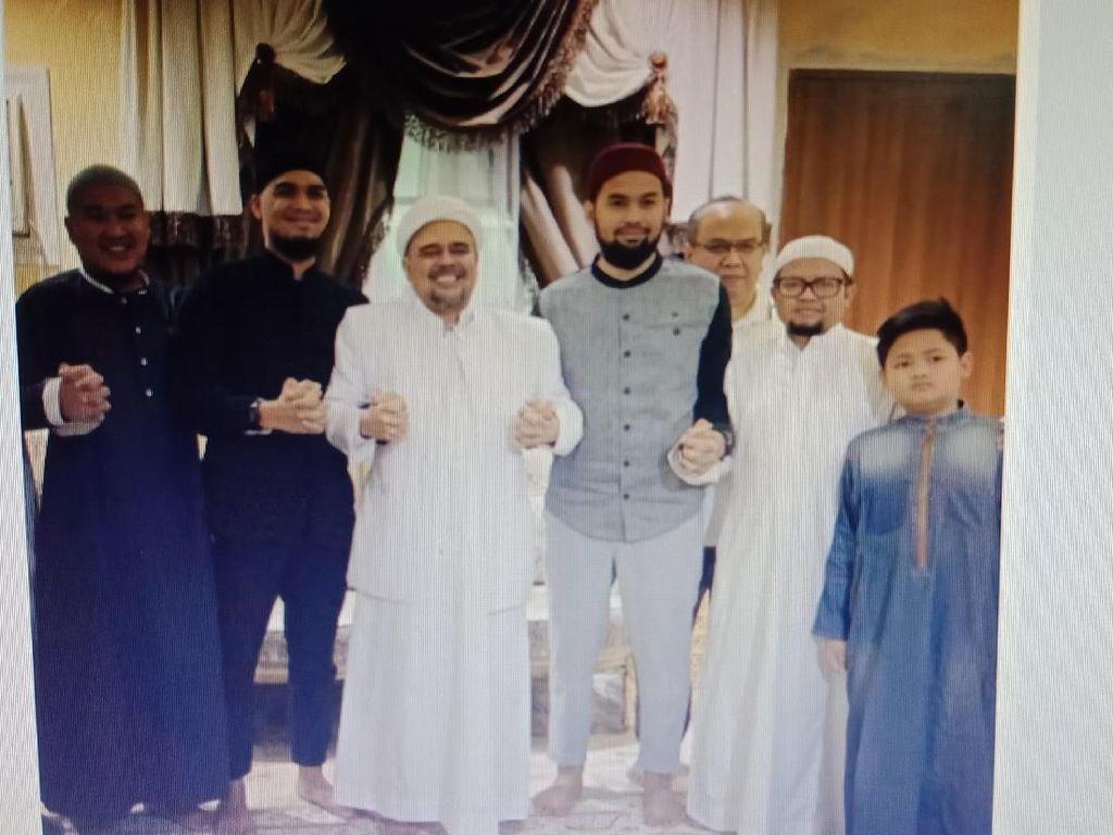 Cerita Teuku Wisnu Bertemu Habib Rizieq di Mekkah