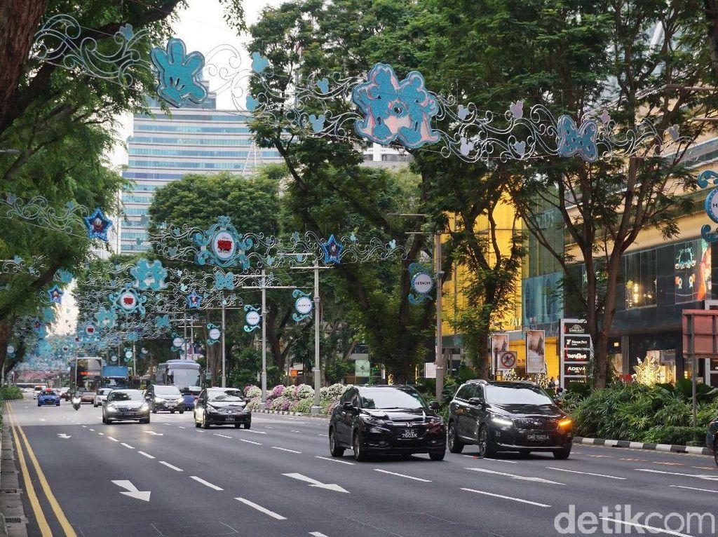 Pertama Kali ke Singapura, Jalan-jalan di Orchard Road