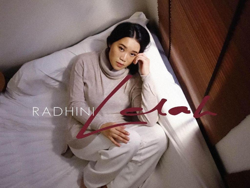 Lelah Jadi Hadiah Akhir Tahun Radhini untuk Penggemar
