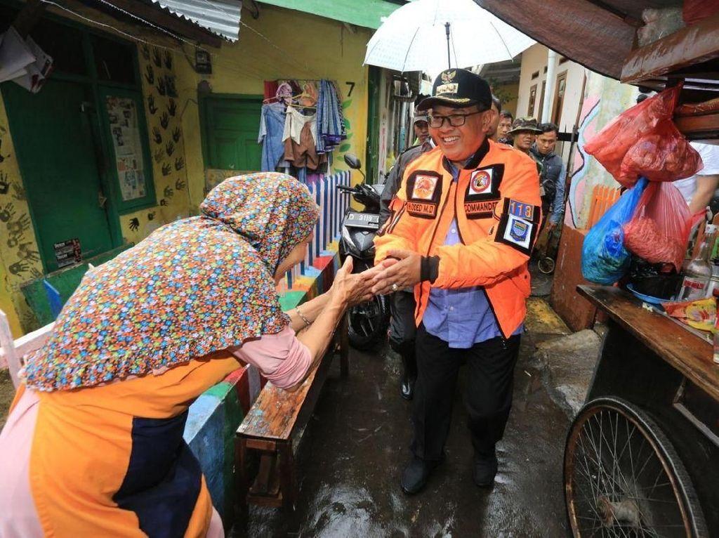 Temui Korban Banjir Astanaanyar, Oded Janjikan Solusi