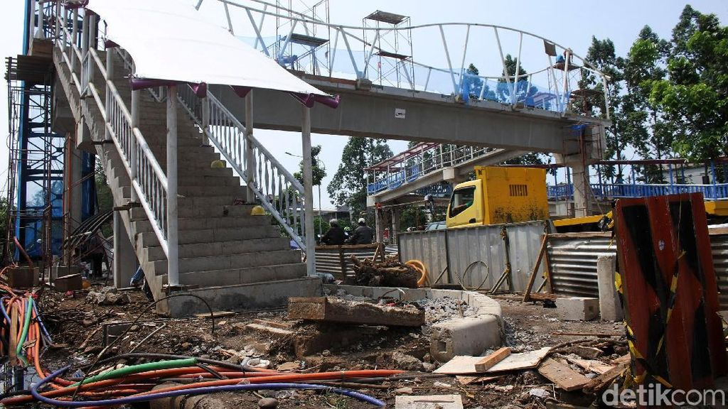 Progres Pembangunan JPO Jalan Tubagus Angke