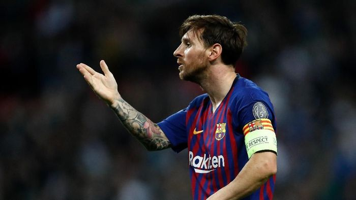 Lionel Messi menolak ajakan Cristiano Ronaldo untuk bermain di Liga Italia. (Foto: Julian Finney/Getty Images)