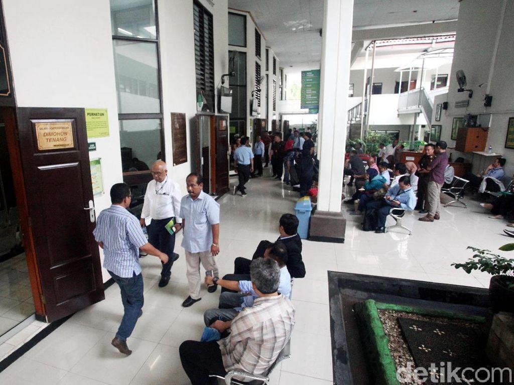 Suasana PN Jakarta Selatan Pasca OTT KPK