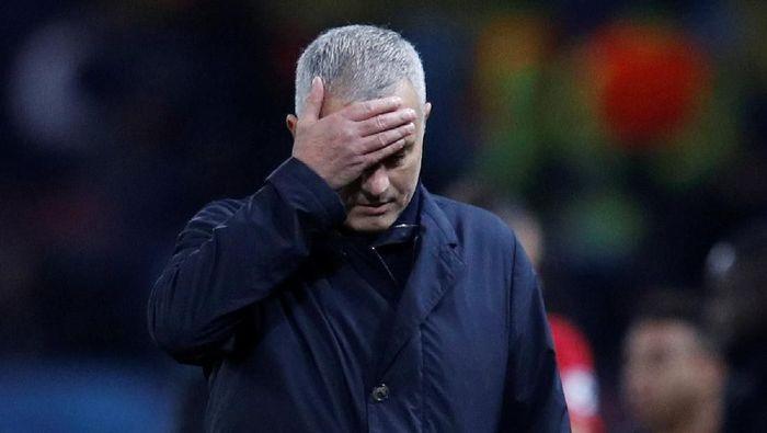 Jose Mourinho akan memimpin Manchester United menghadapi Liverpool di Anfield, Minggu (16/12/2018). (Foto: Reuters)
