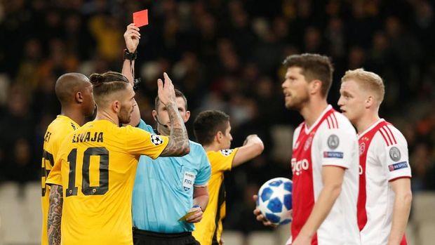 Kartu merah Marko Livaja awal petaka bagi AEK.