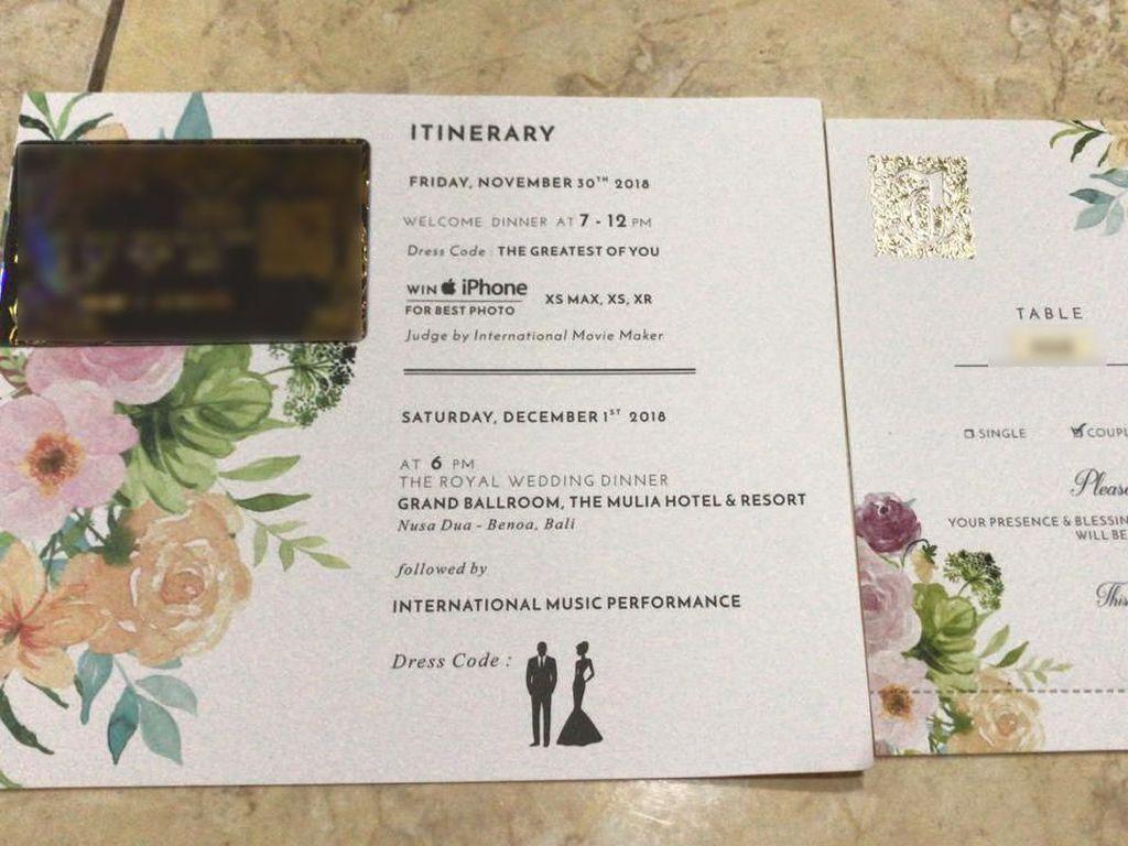 Lihat Undangan Pernikahan Crazy Rich Surabayan yang Mewah