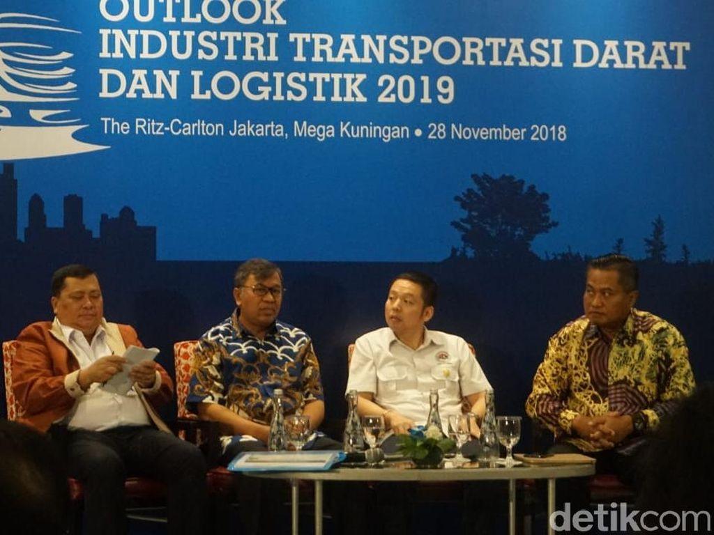 Pengusaha Truk hingga Perakitan Mobil Kumpul di Jakarta, Ada Apa?