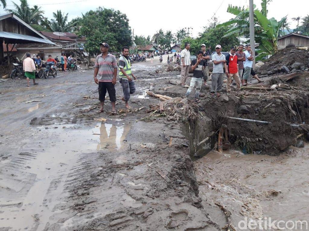 Jembatan Putus Diterjang Banjir, 6 Desa di Aceh Terisolir