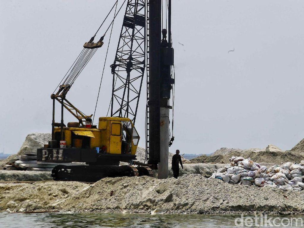 Melihat Pembangunan Dermaga di Pulau Pramuka