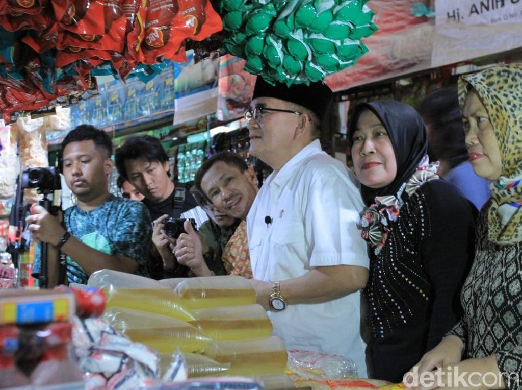 Pedagang Pasar Ciwidey Tak Tahu Ketua APPSI Sandiaga, Ruhut Tertawa