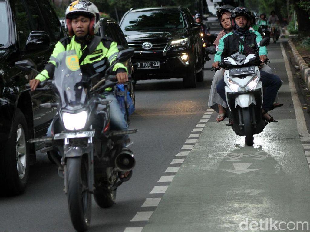 Jalur Sepeda di Ibukota, Antara Ada dan Tiada