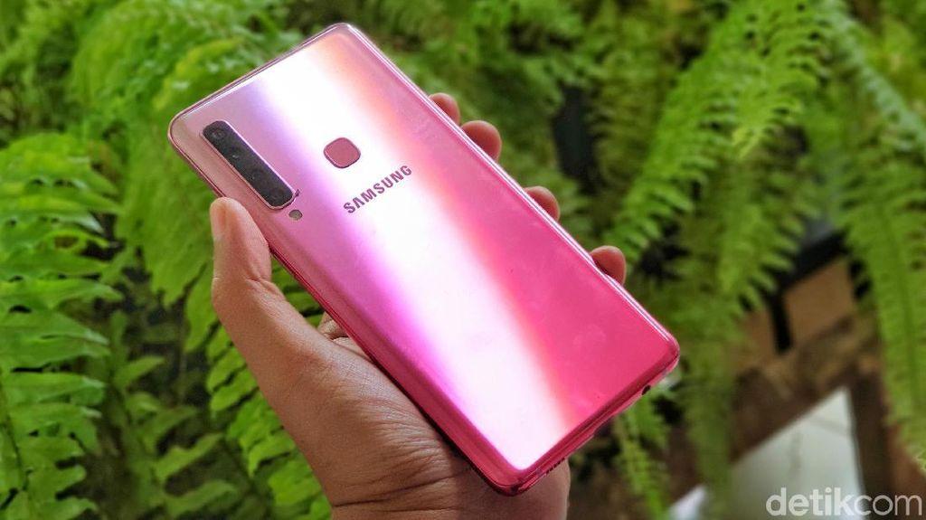 Unboxing Galaxy A9, Ponsel Empat Kamera Pertama di Dunia