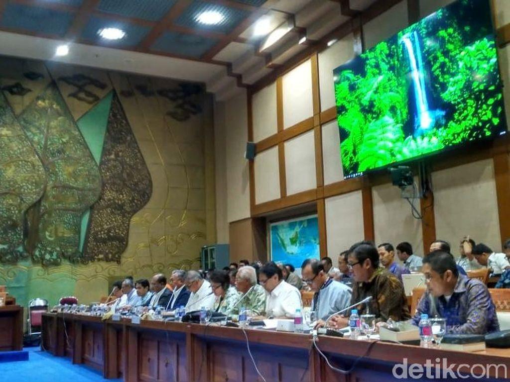 DPR Rapat Tertutup dengan ESDM dan Bos PLN Bahas 35.000 MW