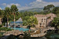 Tujuh keajaiban dunia yang ditampilkan di Safari Water World Taman Safari Prigen.