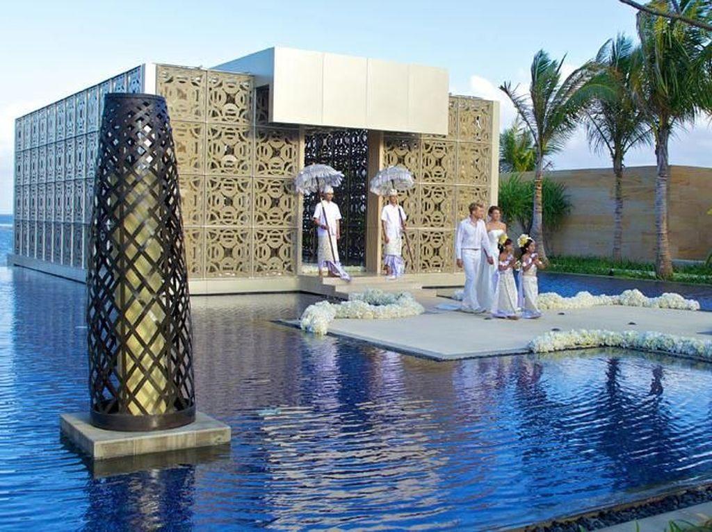 Mengintip Mewahnya Tempat Pernikahan Crazy Rich Surabayan di Bali