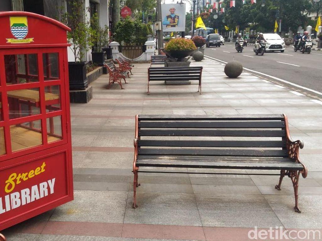 DPRD Bandung Soroti Street Library yang Digembok dan Nihil Buku