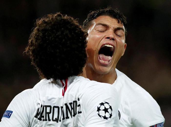 Thiago Silva tampil spesial saat membantu Paris Saint Germain mengalahkan Liverpool 2-1 di Liga Champions (REUTERS/Benoit Tessier)