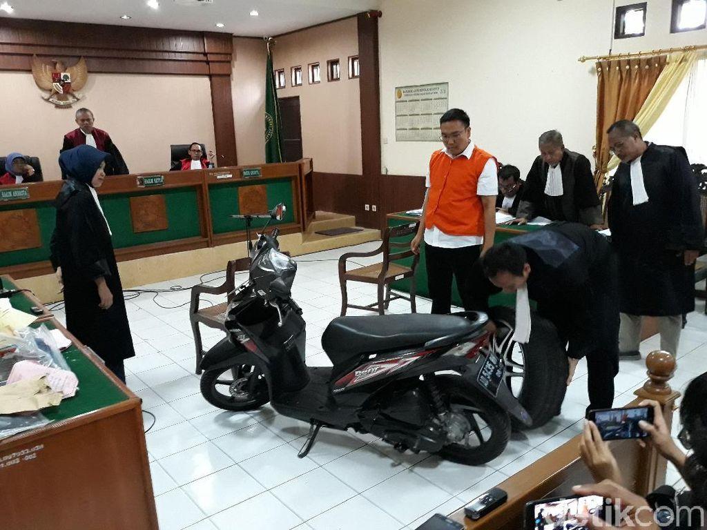 Cekcok Jalanan Berujung Pidana Pembunuhan Bos Cat Iwan Adranacus
