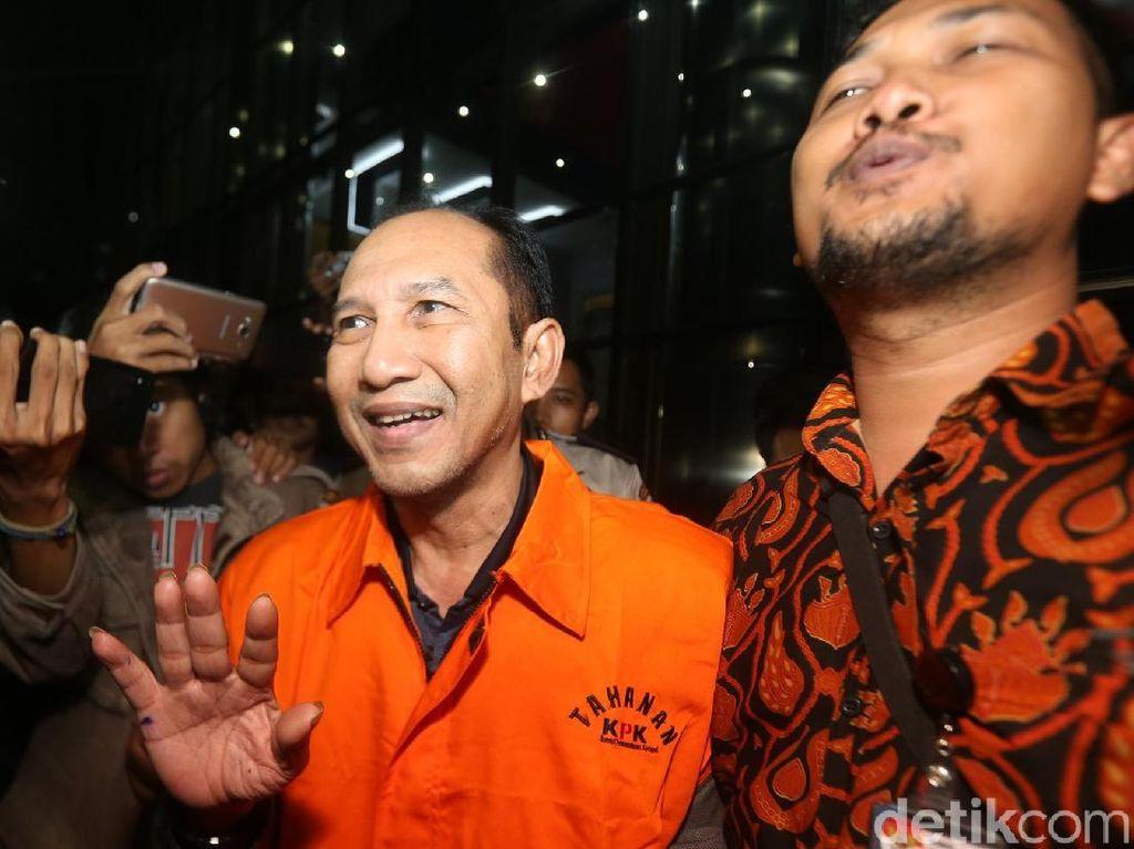 Senyuman Wakil Tuhan PN Jaksel yang Keciduk OTT KPK