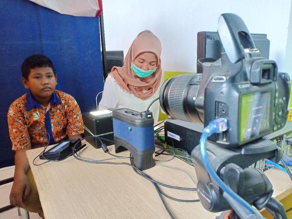 Antusiasnya Anak-anak Bikin KTP di Parepare Sulsel