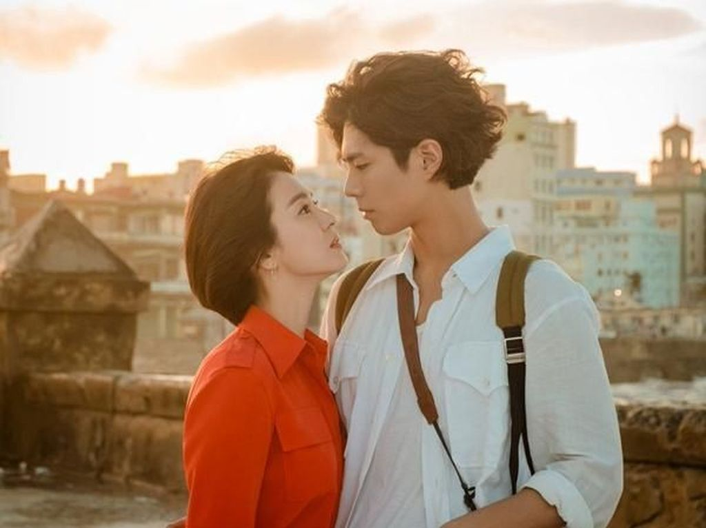 Foto: Intip Kemesraan Park Bo Gum dan Song Hye-Kyo di Encounter Episode 16