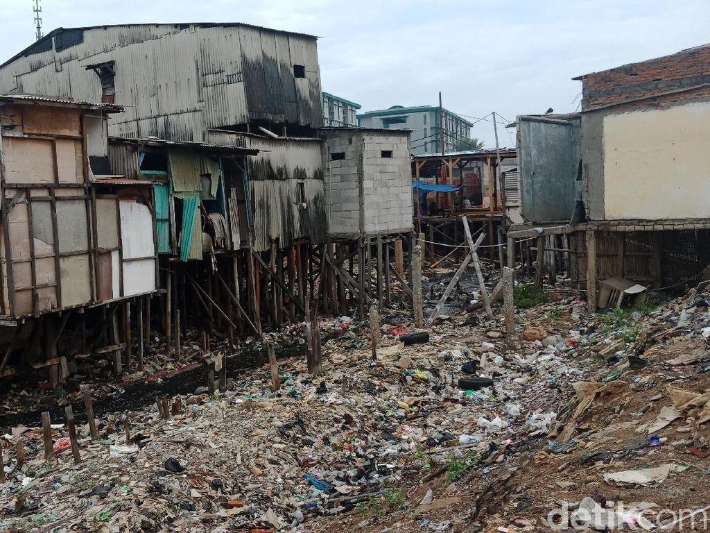 Lurah Penjaringan: Sampah Kali Gendong Susah Bersihnya