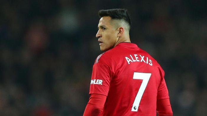 Alexis Sanchez meminta nomor 7 di ambang kepindahannya ke Inter Milan. (Foto: Alex Livesey/Getty Images)