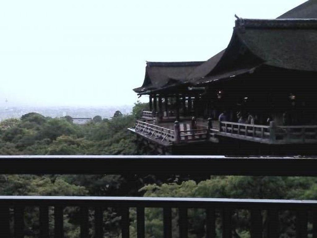Jatuh Cinta dengan Kiyomizu-dera