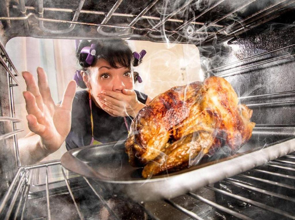 Paha Terpotong hingga Kulit Terkelupas, Ini Kecelakaan Ngeri di Dapur