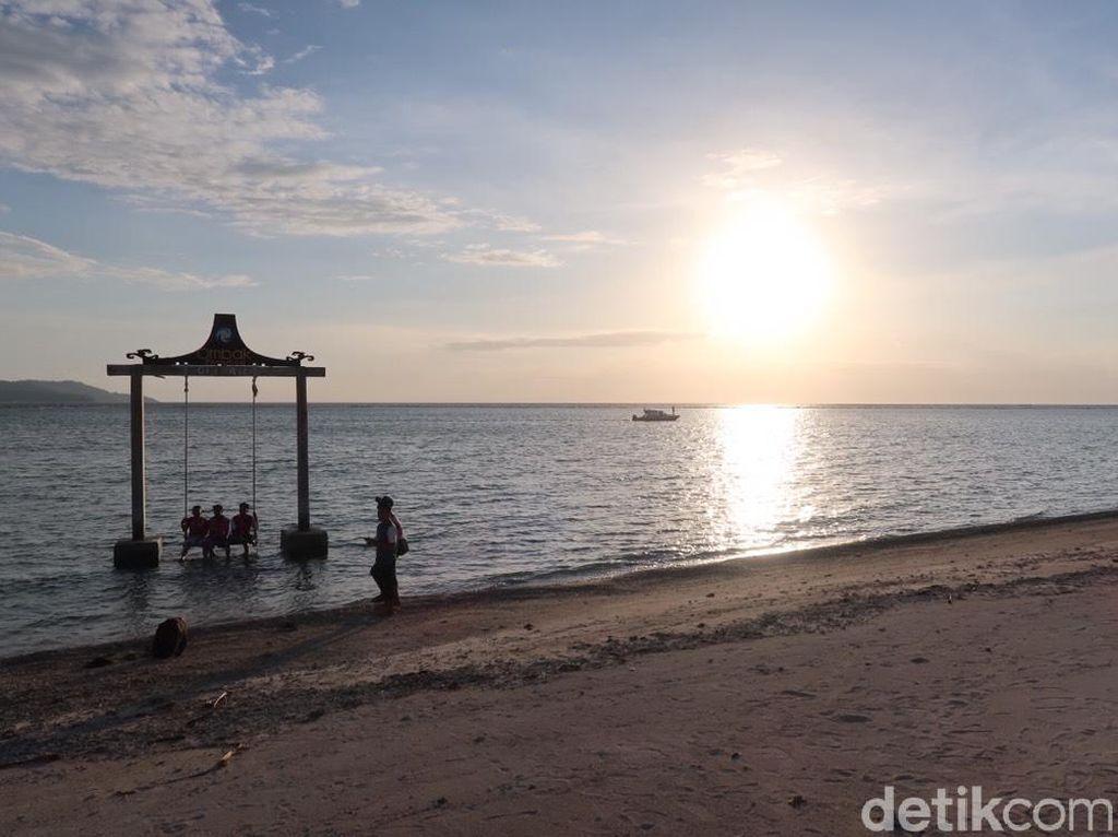 Foto: Sunset Gili Air yang Romantis