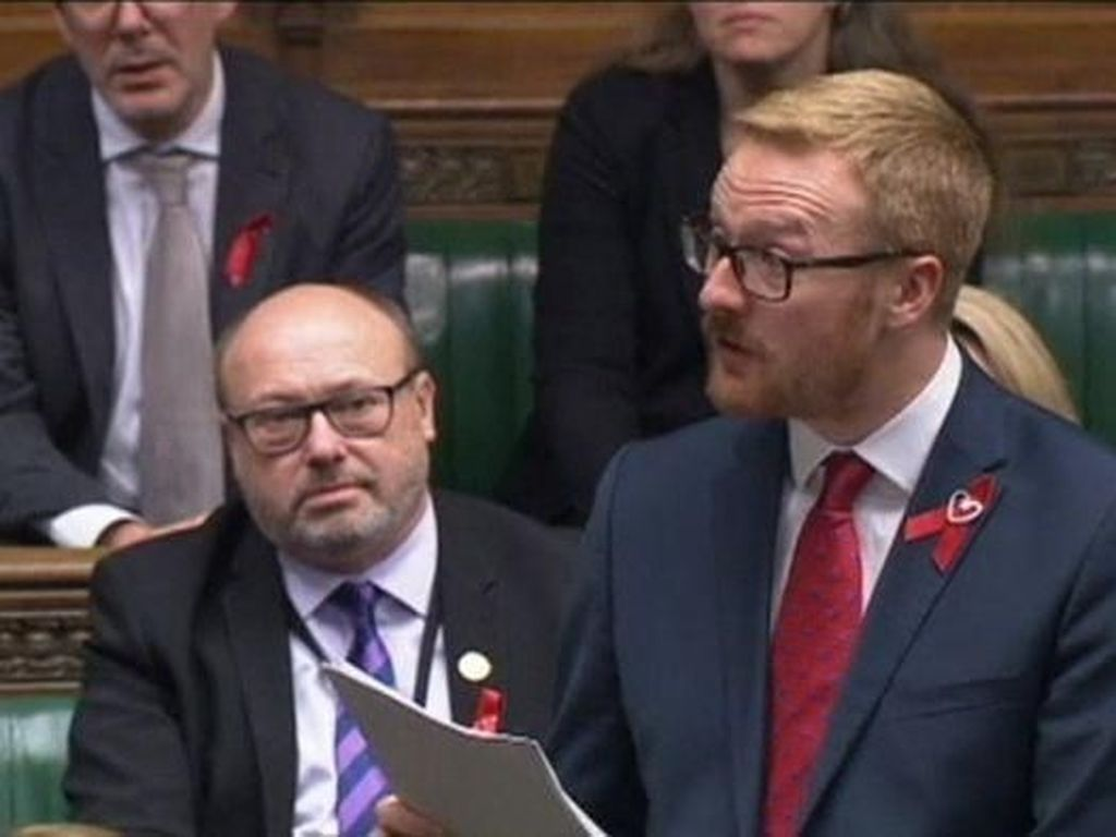 Anggota Parlemen Inggris yang Pertama Mengakui Mengidap HIV