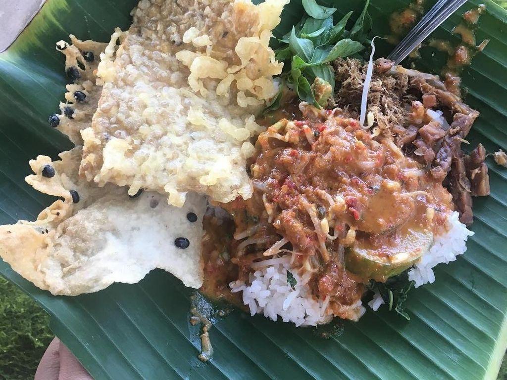 Kocaknya Istilah Makanan Khas Tegal hingga Nasi Pecel Madiun Terenak di Jakarta