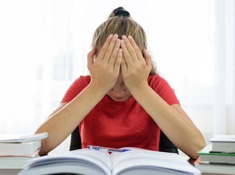 Jelang Ujian Semester, Ajari Si Kecil Doa Memohon Ilmu Bermanfaat