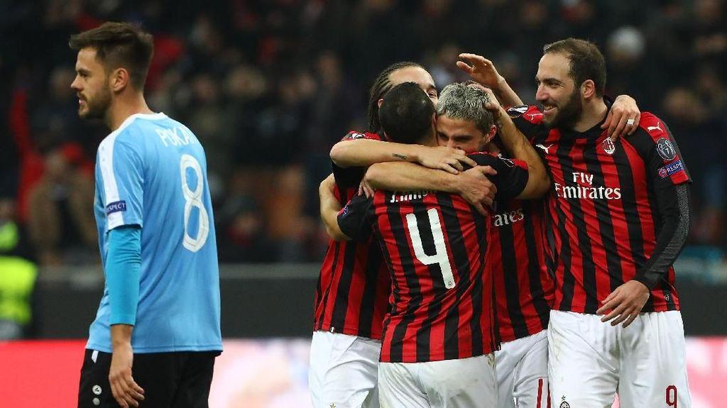 Milan Menangi Drama 7 Gol di San Siro