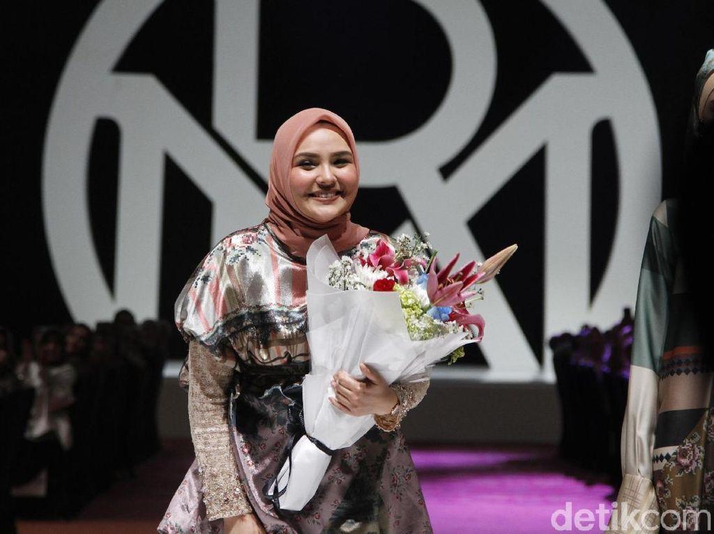 Ria Miranda Helat Show Tunggal Busana Muslim Terbesar di Indonesia