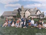 Melihat Foto Kenangan Bush Senior Bersama Keluarganya