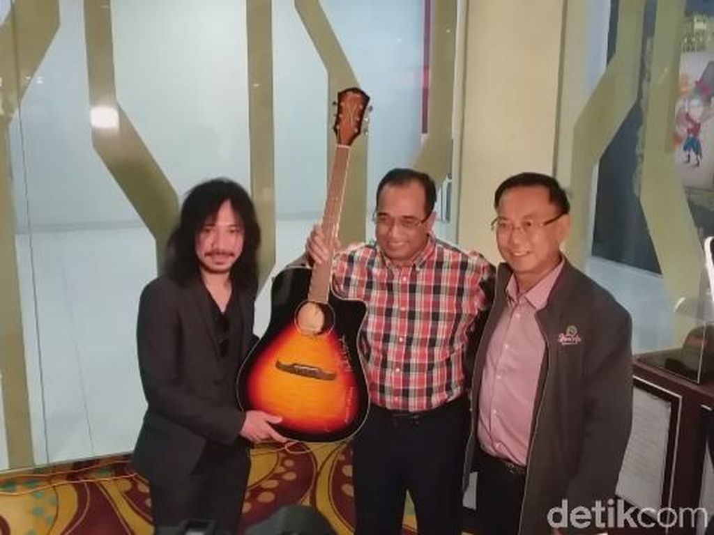 Ini Donasi untuk Palu-Donggala Pasca Menhub dan Abdee Lelang Gitar