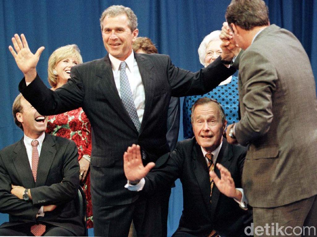 George HW Bush Meninggal, Ada Riwayat Infeksi dan Parkinson