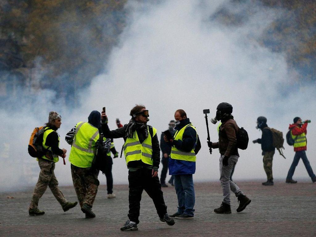 Demo Rompi Kuning di Paris Rusuh, 60-an Orang Terluka